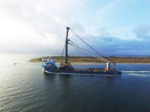 Verdens største mobilkran til Odense Havn